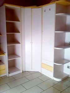Se ofrece este armario