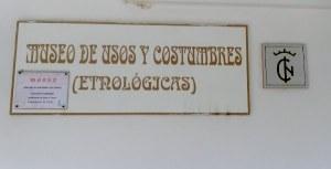 Placa a la entrada del museo